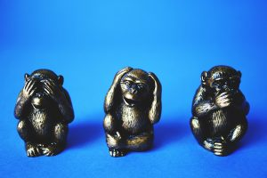Statues of the three wise monkeys