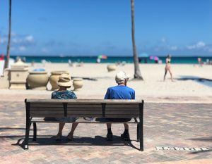 beach bench couple