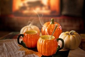 You should aim for cozy atmosphere when decorating your Florida home for Thanksgiving