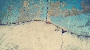 Picture of a cracked wall