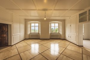 Picture of a large empty apartment ready for renting