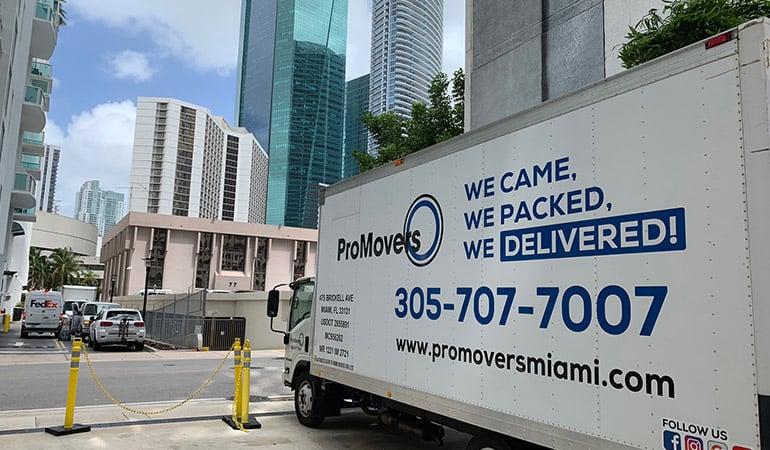 Pro Movers Miami truck.