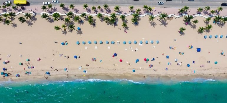 Staying mentally prepare for moving to Fort Lauderdale by imagining the beach