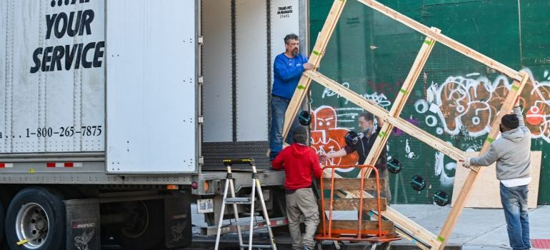 To book Miami movers in advance look at these moving pros