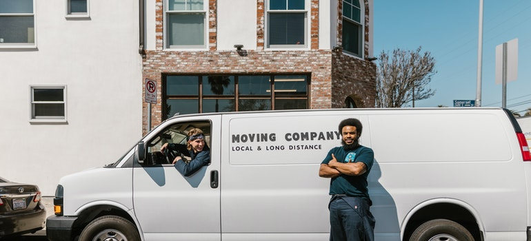 trained white glove movers miami beach has on offer