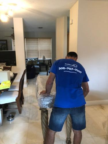Our movers and packers Miami always make the extra effort.